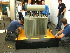 Industrievertretung Scheidt - Montage einer Ölwanne